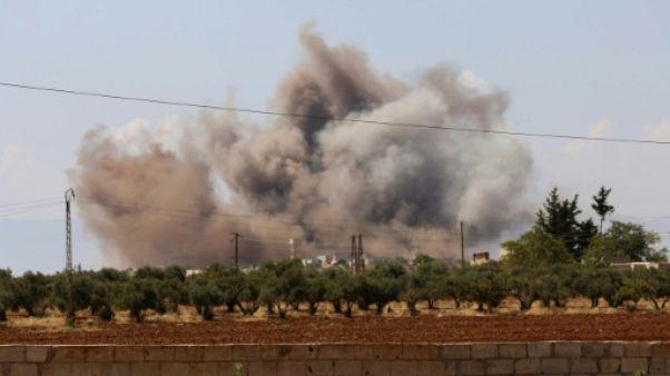 """Syrie: frappes russes contre Idleb, les plus """"intenses"""" depuis un mois"""