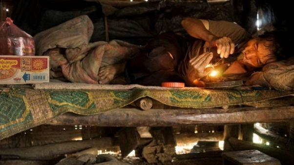 L'opium, refuge pour les tribus montagnardes du Laos