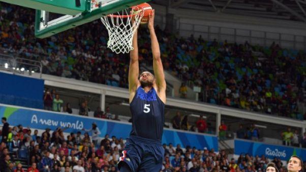 Basket: les Français dominent la Grèce avant d'aller chercher leur billet pour le Mondial-2019