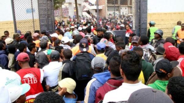 Un mort et des blessés dans une bousculade avant un match de foot à Madagascar