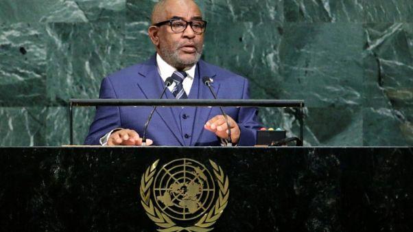 جزر القمر تسعى لاعتقال نائب سابق للرئيس عارض تمديد فترات الرئاسة