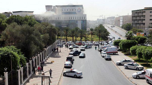 مقتل موظفين ومسلحين في الهجوم على مقر المؤسسة الوطنية الليبية للنفط