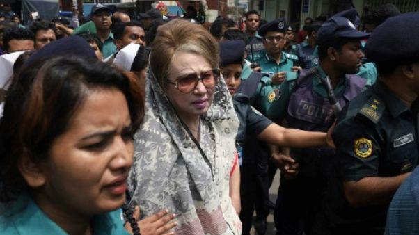 Bangladesh : manifestation pour la libération de l'opposante Khaleda Zia