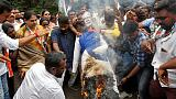 إغلاق طرق ومكاتب حكومية بالهند في احتجاجات على أسعار الوقود