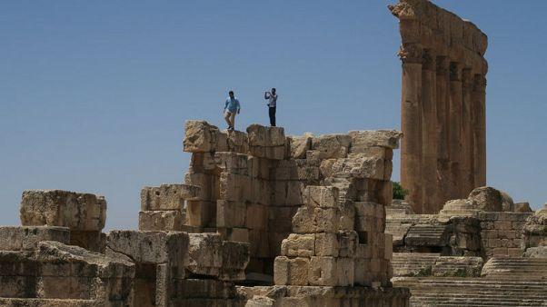 آثار وتاريخ بعلبك اللبنانية مصدر إلهام لتشكيليين من أنحاء العالم