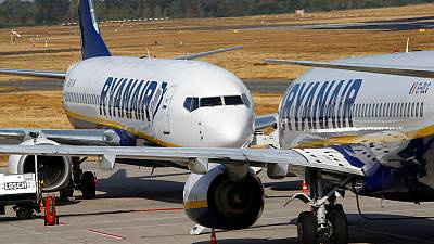 Ryanair bars journalists from AGM as pilot dispute rumbles on