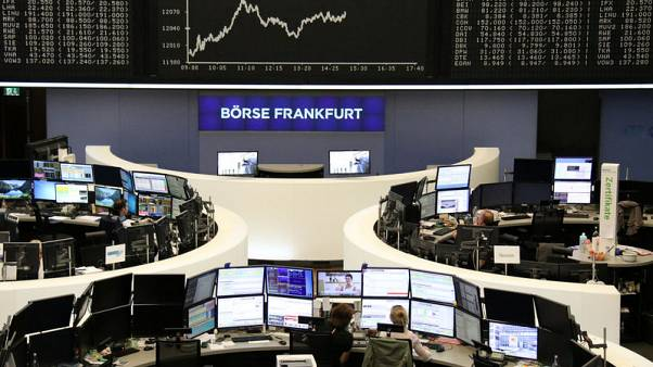 European shares seek to extend bounce but trade woes weigh
