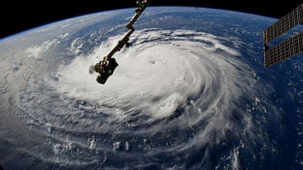 أوامر بالإجلاء مع اقتراب الإعصار فلورنس من الساحل الأمريكي