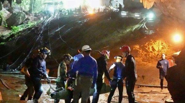"""En Thaïlande, un film sur le cauchemar des """"enfants de la grotte"""""""