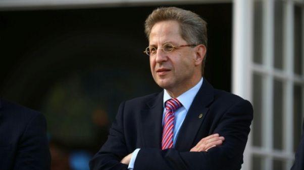 Allemagne: le chef du renseignement, contesté, reste soutenu par son ministre