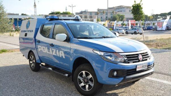 Polizia scientifica presenta Fullback