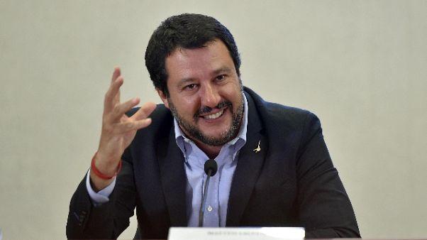 Migranti: Salvini, tbc di diffonde