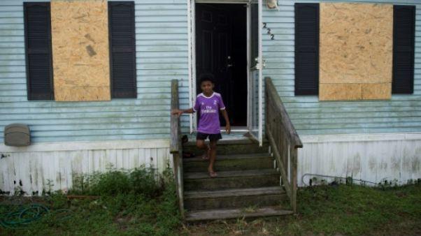 """Ouragan Florence: les mal-logés n'ont """"pas d'autre choix que de partir"""""""