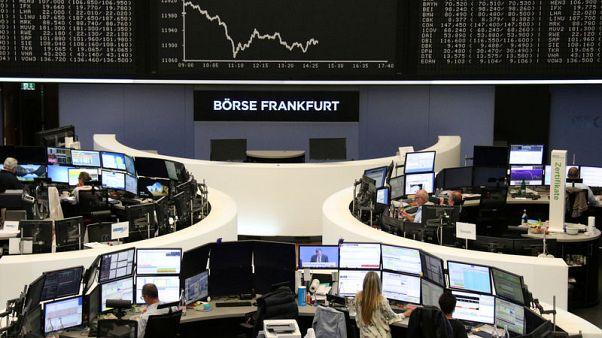 أسهم أوروبا ترتفع بدعم محادثات تجارية جديدة وقبل قرارات بنوك مركزية