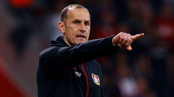 Leverkusen's Herrlich under pressure early as Bayern await