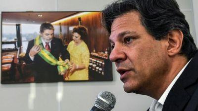 """Brésil: Haddad entend bien séduire les électeurs de Lula, malgré leur """"traumatisme"""""""