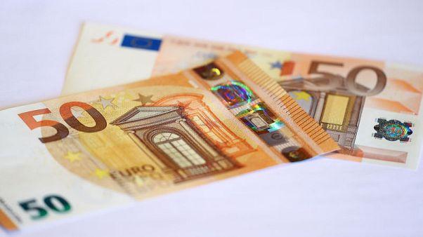 اليورو يبلغ أعلى مستوى في أسبوعين وسط آمال المباحثات التجارية بين أمريكا والصين