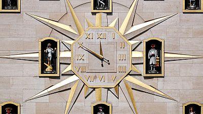 EU seeks to scrap seasonal clock changes in 2019
