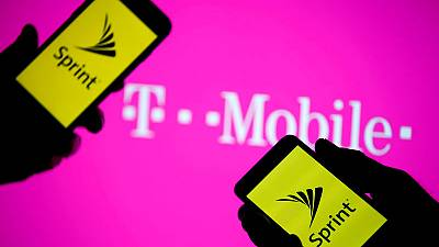 U.S. union urges states to look into T-Mobile purchase of Sprint