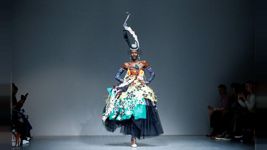 تصميمات بدون فراء مع انطلاق أسبوع الموضة في لندن