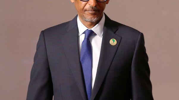 رواندا تفرج عن زعيمة معارضة