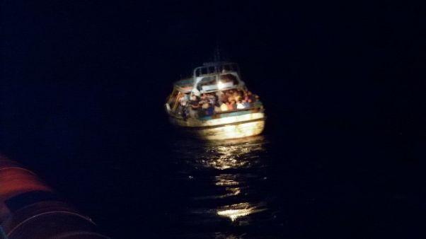 Sbarco migranti nel Crotonese