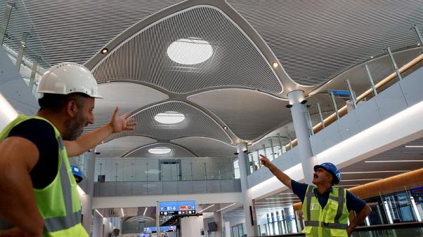 Turkish police detain hundreds of protesting airport workers