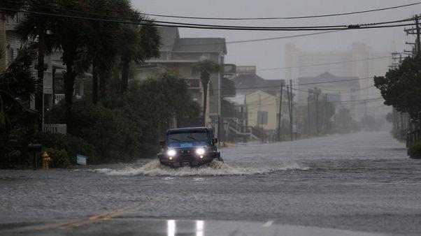 العاصفة المدارية فلورنس تجتاح نورث وساوث كارولاينا ومقتل ثمانية