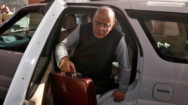 India finance minister says confident of meeting fiscal deficit target