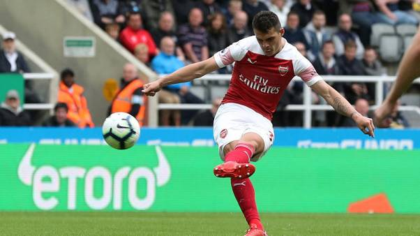 Xhaka cracker helps Arsenal to 2-1 win over Newcastle