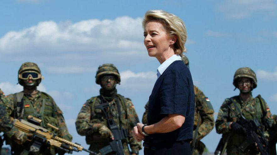 وزيرة الدفاع الألمانية لا تستبعد انتشارا طويل الأمد للقوات في الشرق الأوسط