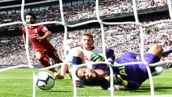 ليفربول يهزم توتنهام وتشيلسي يتصدر الدوري الإنجليزي