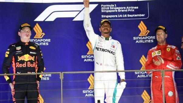 GP de Singapour: Hamilton et Mercedes creusent l'écart, Vettel et Ferrari en crise