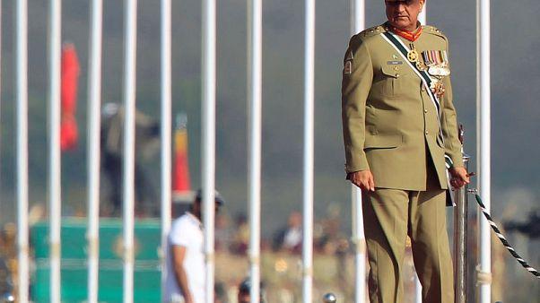 """قائد الجيش الباكستاني يزور بكين بعد توتر بشأن """"طريق الحرير"""""""