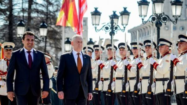 """Mattis en Macédoine pour contrer """"l'influence"""" russe sur le référendum"""