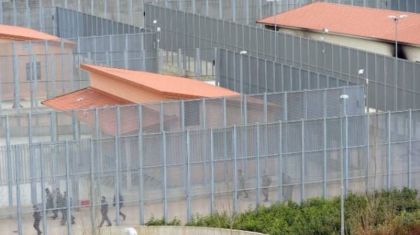 Aereo guasto,tunisini espulsi son liberi