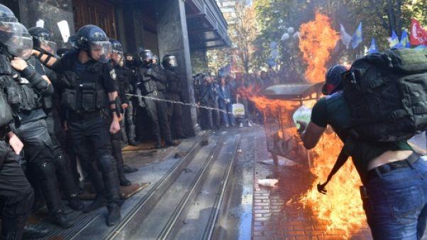 Ukraine: sept blessés dans des heurts entre policiers et nationalistes à Kiev