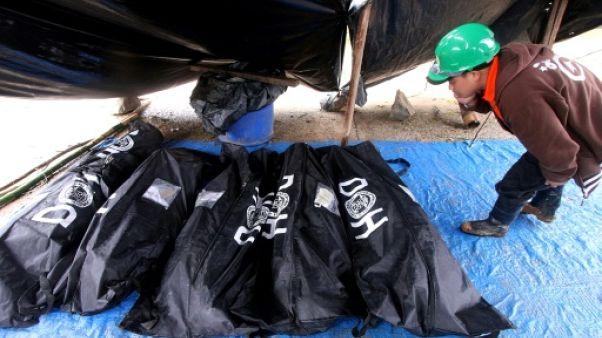 Typhon Mangkhut: aux Philippines, on creuse à mains nues à la recherche des disparus