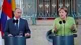 الكرملين: بوتين وميركل ناقشا هاتفيا الأوضاع في سوريا وأوكرانيا