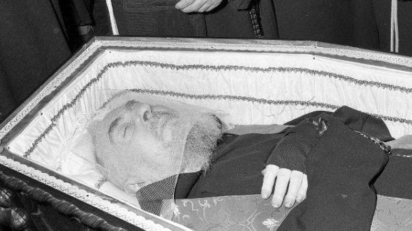 San Pio: 100 anni stimmate e 50 da morte