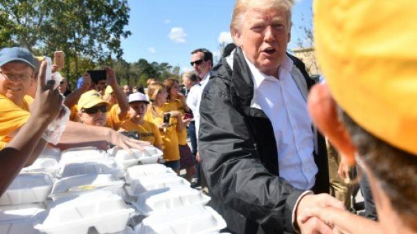 Ouragan Florence: Trump, à la rencontre des sinistrés, promet l'aide fédérale