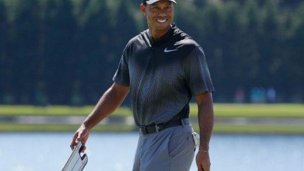Tiger Woods à l'échauffement lors du Tour Championship le 19 septembre 2018