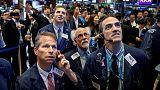 داو وستاندرد آند بورز يصعدان بدعم قطاع المال وانحسار مخاوف التجارة