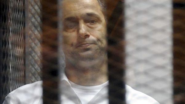 محكمة مصرية تخلي سبيل علاء وجمال مبارك