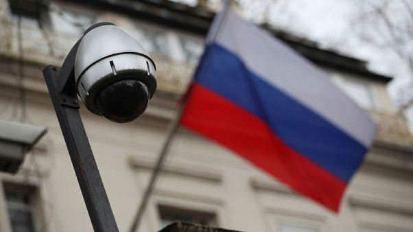 قريباً ... بريطانيا تواجه روسيا بألفي مقاتل إلكتروني!