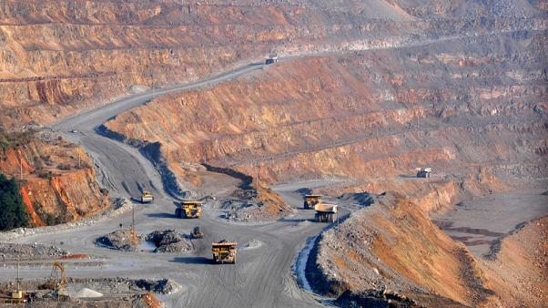 In copper options debut, Shanghai sets challenge to New York, London