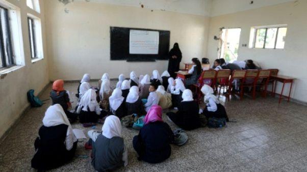 """Des écoliers du Yémen rêvent de """"reconstruire"""" ce que la guerre a détruit"""