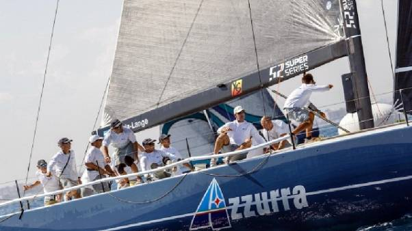 Vela: Azzurra lotta per podio a Valencia