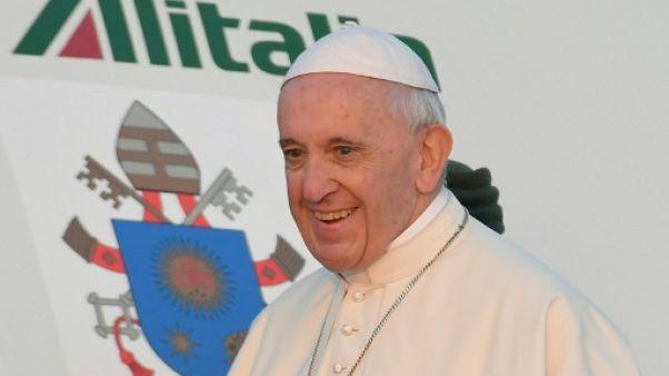 Le pape est arrivé en Lituanie, à l'écoute des jeunes qui quittent leur pays