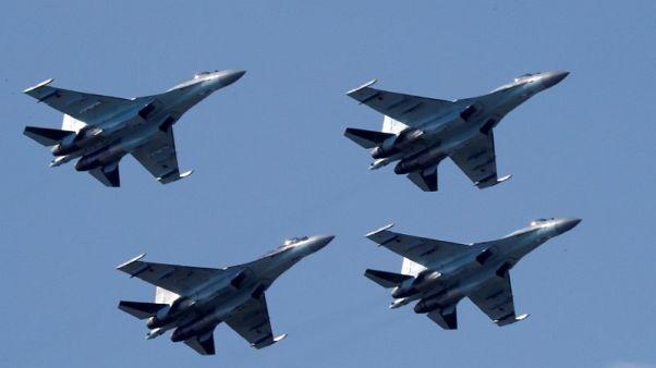 بكين ترد على ترامب:  ليس من حق أمريكا التدخل في تعاوننا العسكري مع روسيا